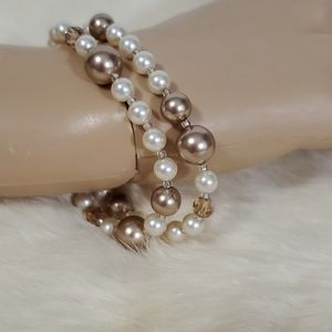 Double Faux pearls bracelet.